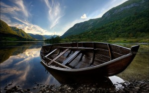 wooden-boat-1440-900-312