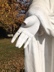 Mary hand