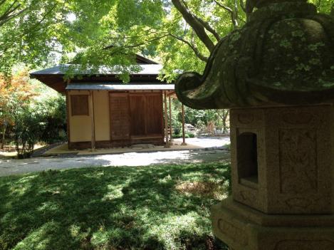 hut with lantern3